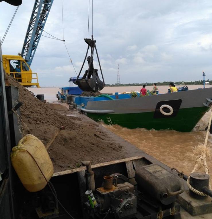 Bơm cát san lấp mặt bằng giá rẻ tiến hành nhanh chóng dễ dàng